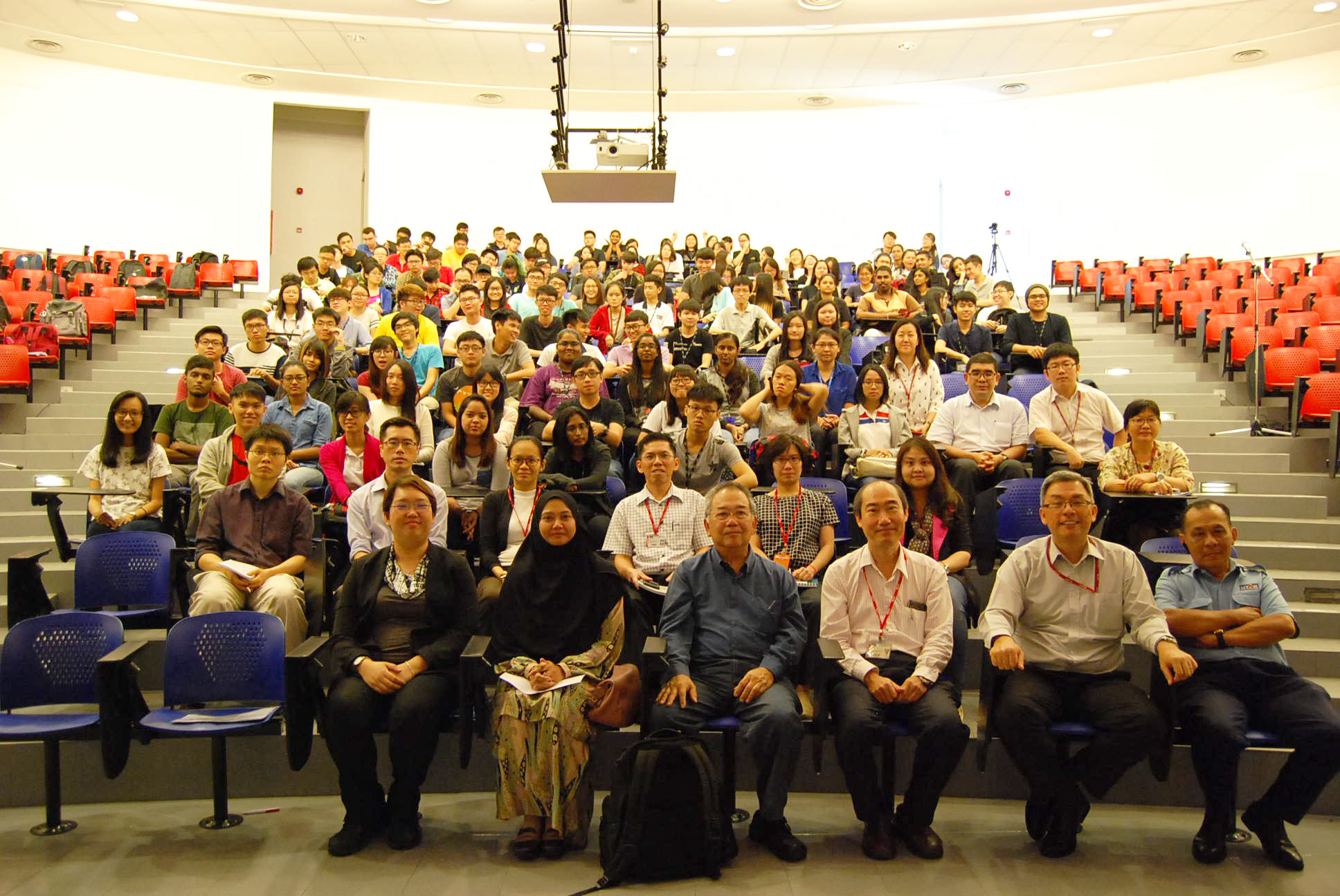 Stuart Soo group photograph with the participants at the end of the talk